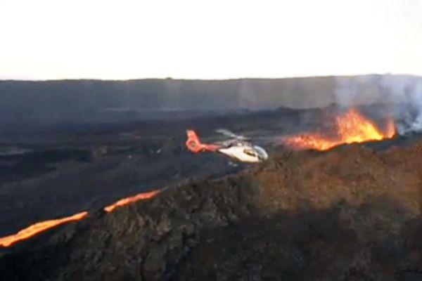 Helico au dessus eruption