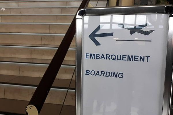 aeroport depart embarquement