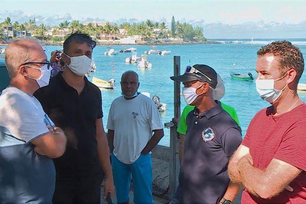 Colère des pêcheurs professionnels et plaisanciers du bassin Pirogue