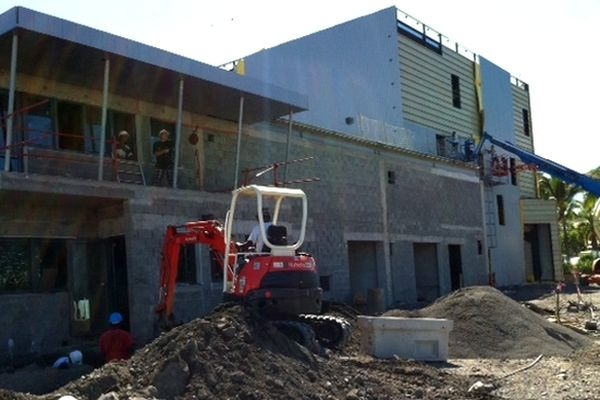 Cambaie, St-Paul : Pet Food Run en construction
