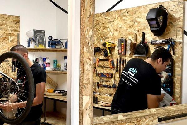 Une jeune entreprise péi transforme votre bicyclette en vélo électrique