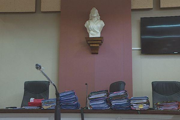 tribunal / justice