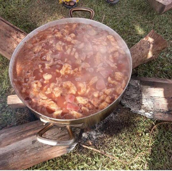 Haricots rouges cuits au feu de bois