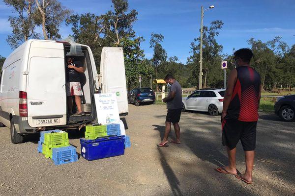 poissonniers vente bord de route confinement