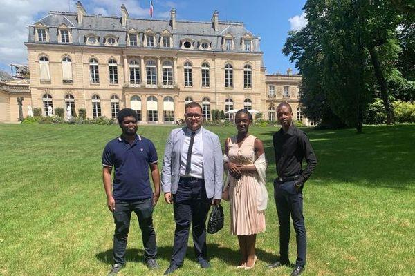 Les membres ultramarins de la Convention citoyenne au palais de l'Elysée