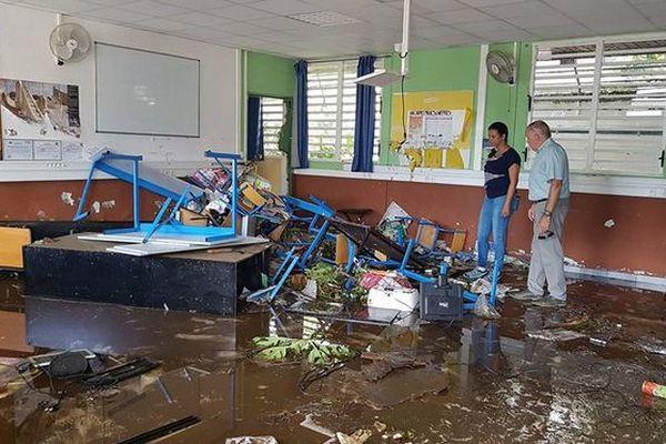 Salle de classe du collège Bédier à St André inondée 25 avril 2018