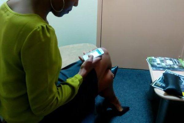 Patiente en attente d'une consultation pour une endométriose