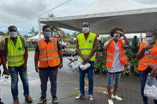 L'équipe de Humanity first au marché de Montjoly