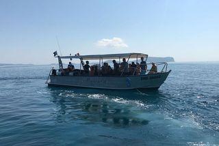 bateau de plongeurs passe en S