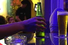le barman doit juger du niveau d'alcoolémie de ses clients