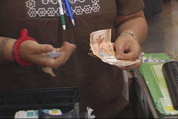 Les paiements cash limités à 119300 francs pacifiques au 1er septembre