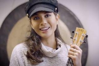 Vaimalama Chaves et son ukulele