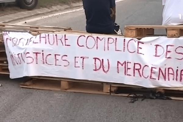 Barrage par les grévistes de la RCT le 18 novembre