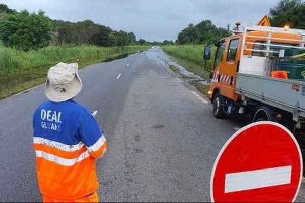 Macouria : Rétablissement de la circulation sur le route nationale 1