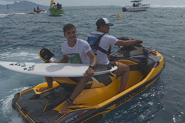 Tamahei Temu , surfeur huahine