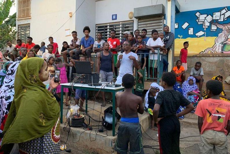 Des grands frères contre la violence à Koungou