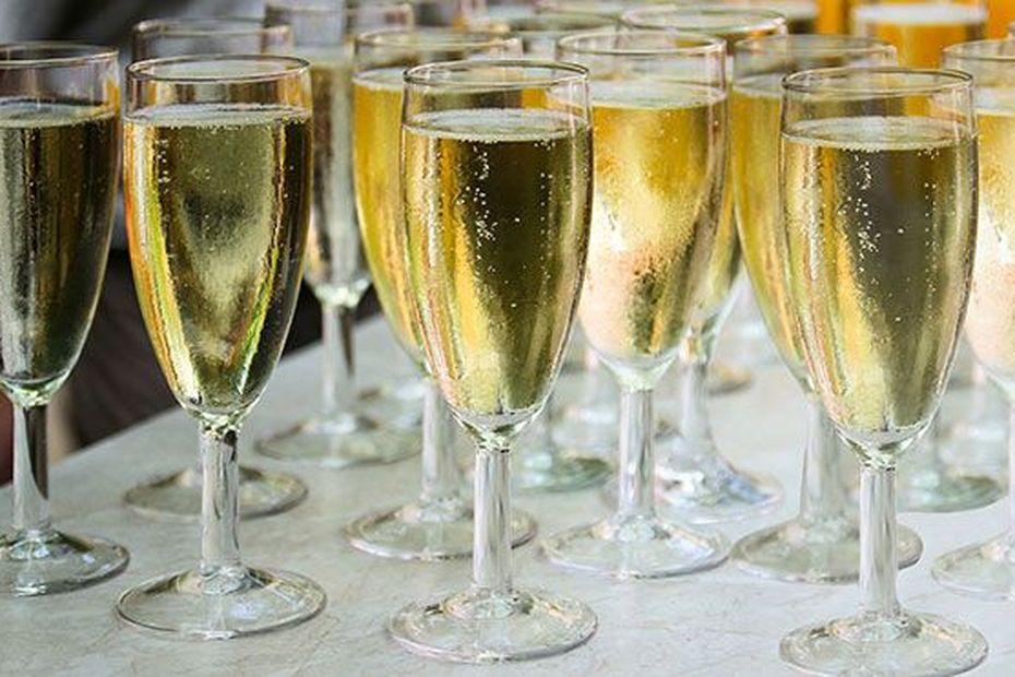 Quatre bouteilles de champagne par habitant en Martinique