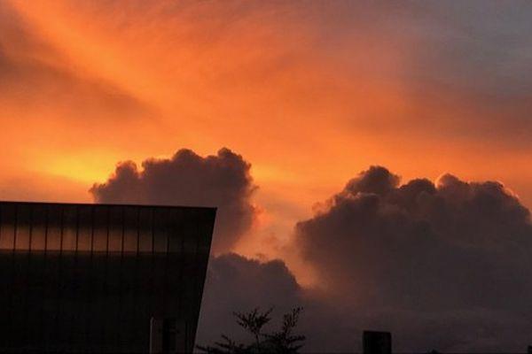 Lever de soleil flamboyant