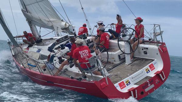 Tahiti Pearl Regatta : première course dans la baie de Haamene