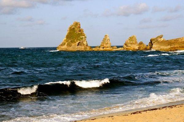 La Pointe des Châteaux, située en Guadeloupe, est le site naturel le plus photographié d'Outre-mer. A l'échelle mondiale, il s'agit du 3801ème endroit le plus pris en photo.