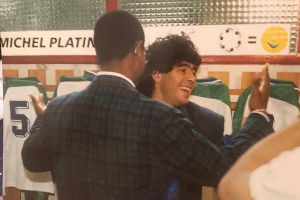 Jubilé Platini à Nancy (1988) : Albert Couriol, Diego Maradona.