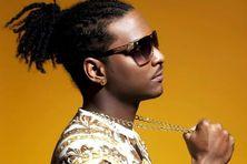 X-Man est chanteur de reggae, ragga dancehall et kuduro.