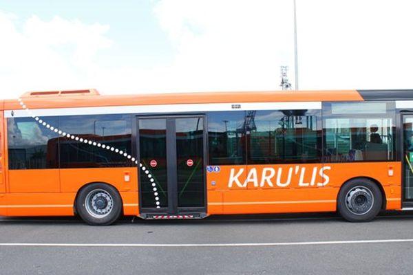 Bus Karulys à la plage