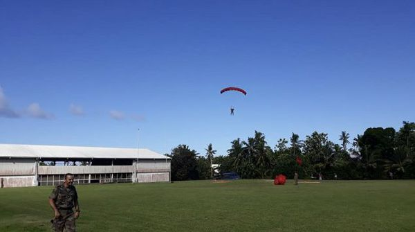parachute futuna