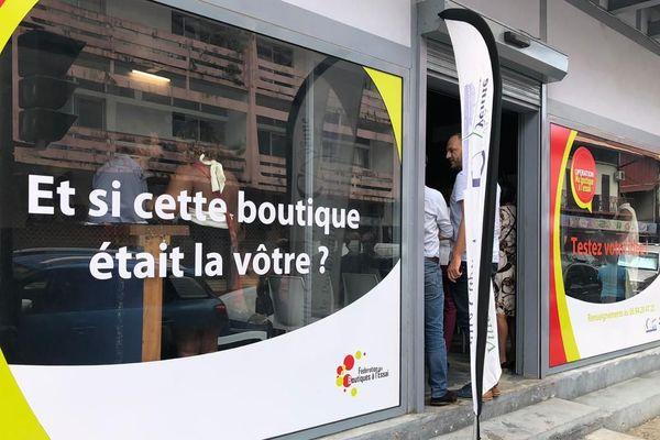 """Ma boutique à l'essai"" avenue de Gaulle à Cayenne"