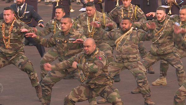 """260 élèves sous-officiers """"Volontaires du Pacifique"""" promus au grade de sergent"""