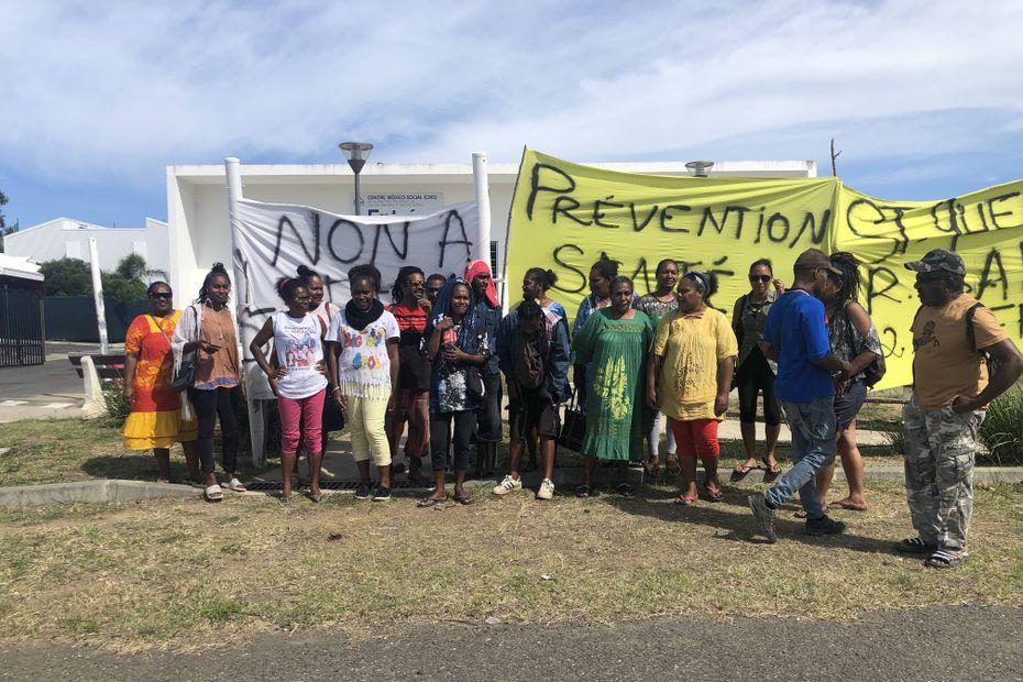 Les habitants de Dumbéa-sur-Mer défendent leur centre médico-social - Nouvelle-Calédonie la 1ère