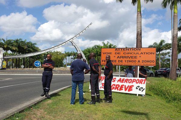 Pompiers aéroport grève