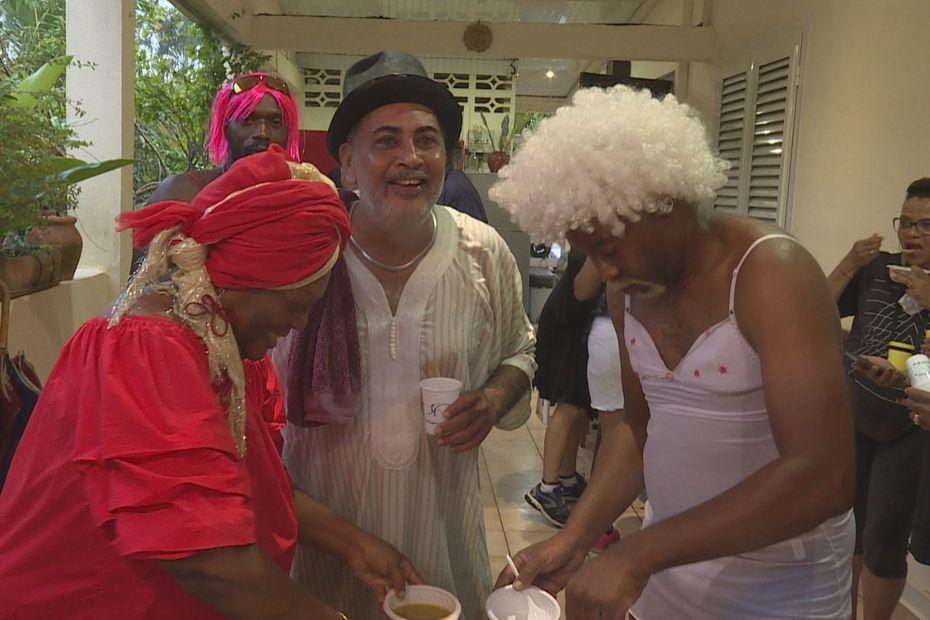 """""""Lévé en pyjama"""" et soupe populaire au Lamentin - Martinique la 1ère"""