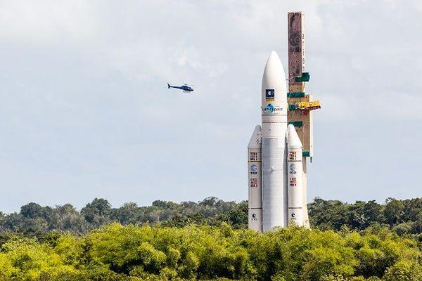 Ariane 5 lancera mercredi deux satellites pour le Brésil et le Japon