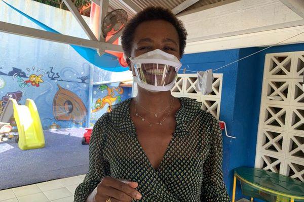 Les crèches équipées de masques transparents