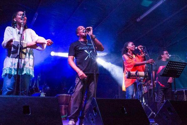 KwaxiKolor sur scène