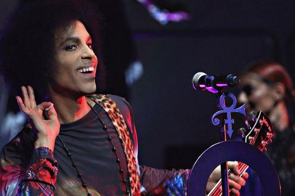 Prince en concert avec 3RDEyeGirl à Toronto le 19 mai 2015.