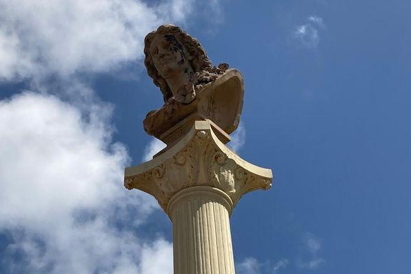 La colonne de la République place des palmistes à Cayenne