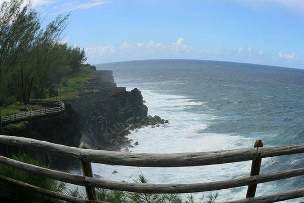 Ciel bleu et océan