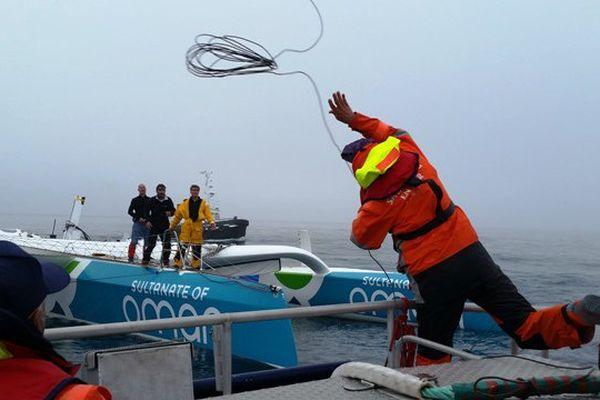 Oman Sail remorqué par la SNSM