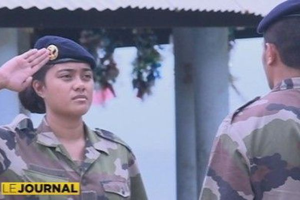 soldat en uniforme