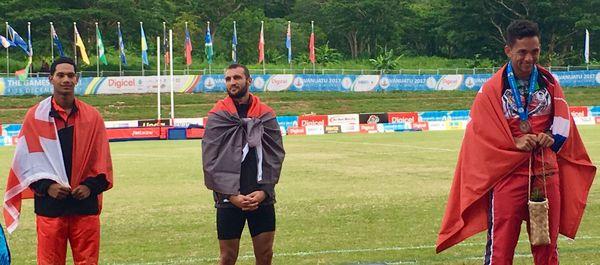 Magoni Tauvale, médaille de bronze au saut à la perche, le premier de Wallis et Futuna.