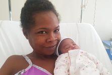 Le premier bébé 2019 en Martinique], est une fille. Elle s'appelle Jahyanaïs, née à 00h37 à la MFME à Fort-de-France.  La maman, Marie-Ghislaine se porte bien, le papa est ravi.