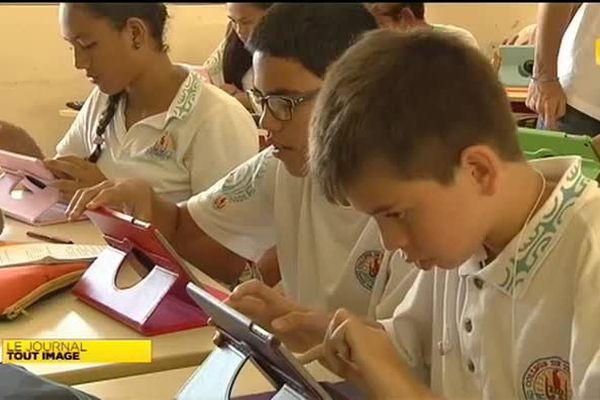 Le collège de Tipaeurui expérimente l'enseignement numérique