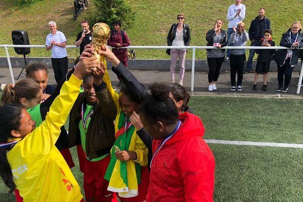 Foot : LOYOLA vainqueure du tournoi international organisé à Viroflay (78)