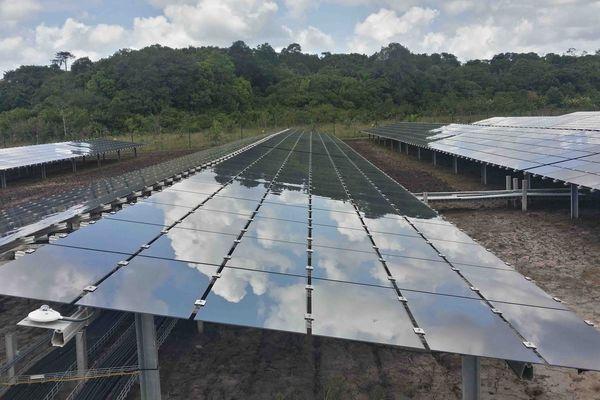 Centrale solaire Toucan à Montsinéry-Tonnégrande