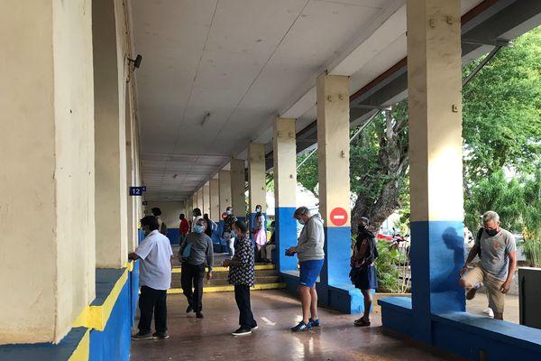 Ouverture bureau de vote Ecole Joinville Saint-Denis Elections 2021