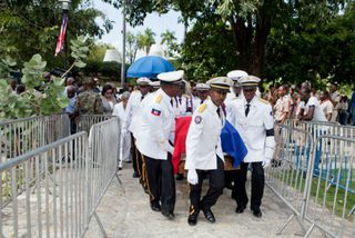 Les Haïtiens disent adieu à René Préval, père de la stabilité politique