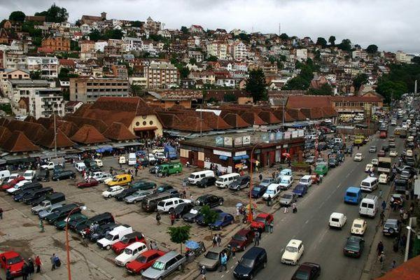 "Antananarivo (Ancienne place du marché du ""Zoma"" Analakely)"