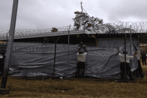 Des officiers de police au Vanuatu